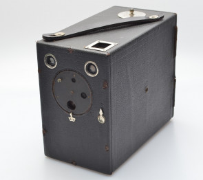 STAR BOX CAMERA by Uyeda, with rare formar BOX